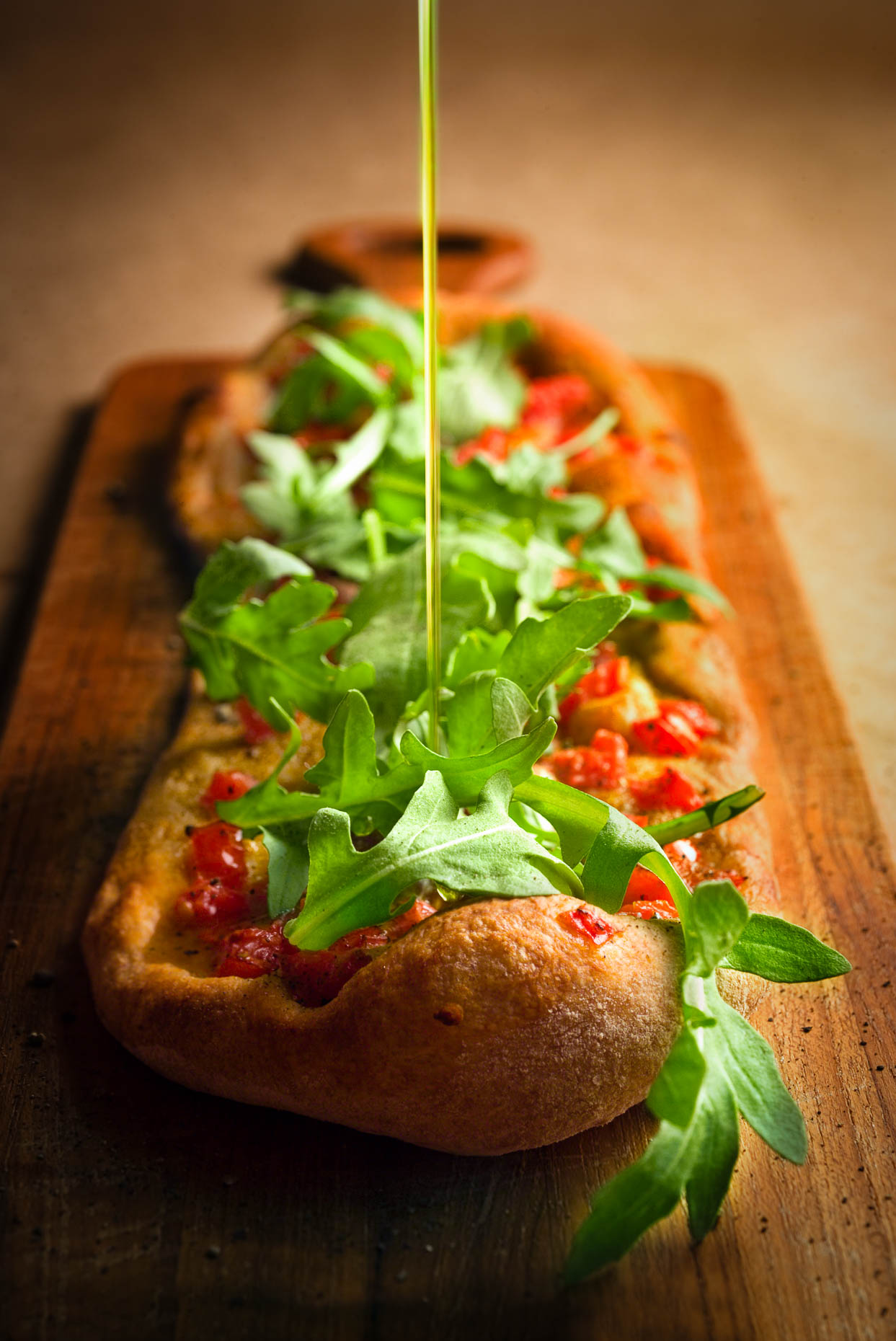 Pizza with Fresh Tomato and Rucola